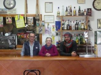 Au bar du village presque fantôme!